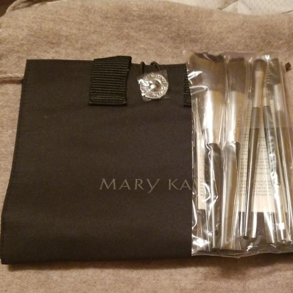 Mary Kay Other - Mary Kay brush set & bag